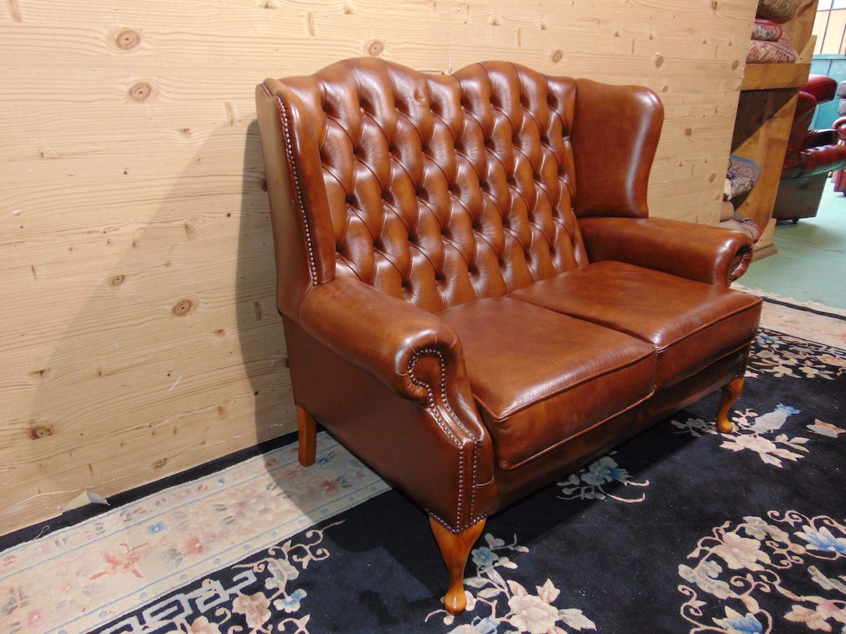 Divano Chesterfield Queen Anne 2 posti 2257...jpg
