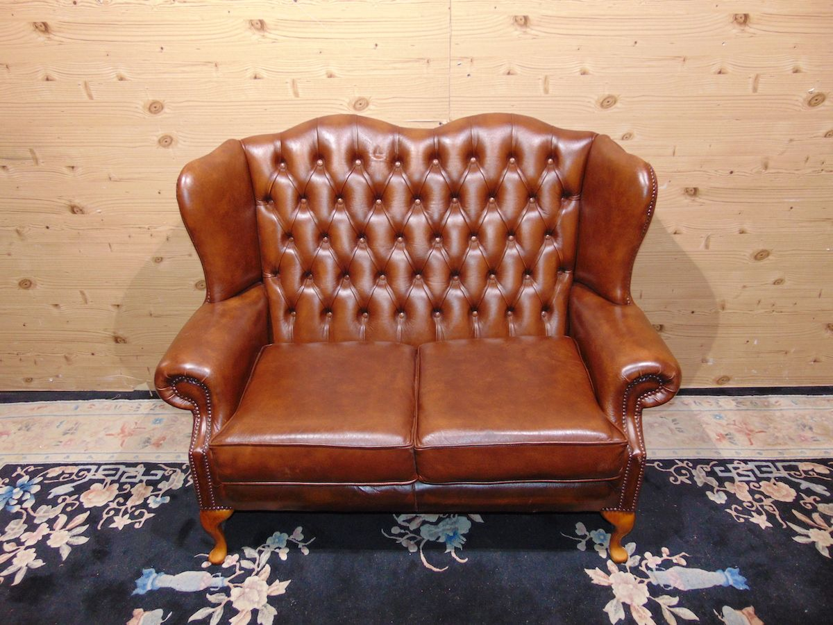 Divano Chesterfield Queen Anne 2 posti 2257..jpg