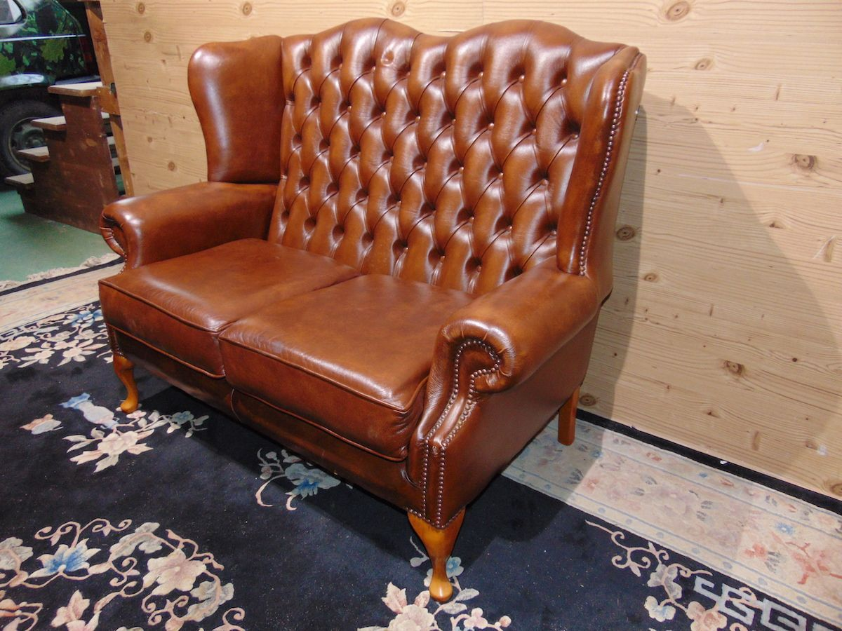 Divano Chesterfield Queen Anne 2 posti 2257....jpg