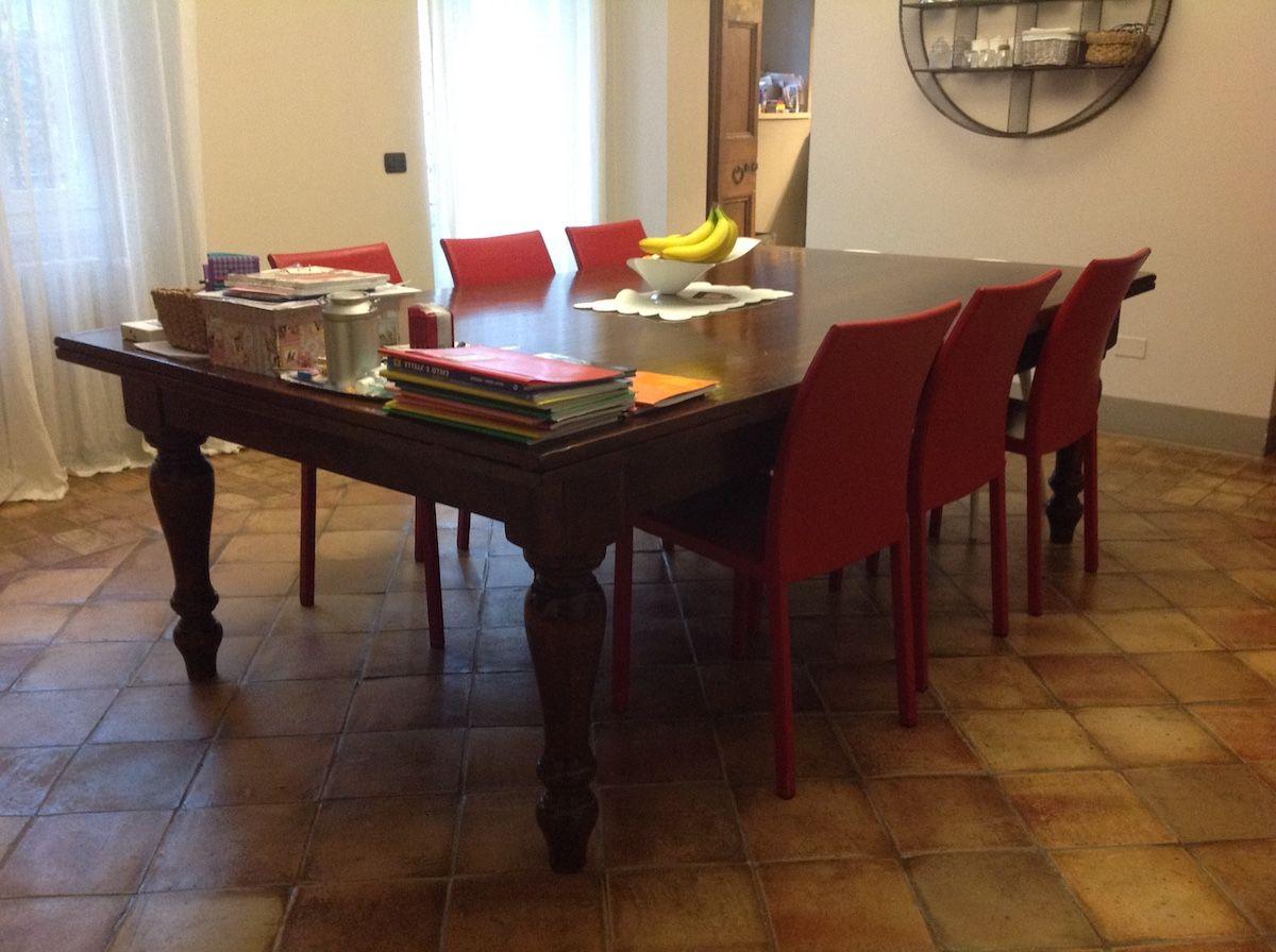 Tavolo nuovo con gambe tornite img_9492.jpg
