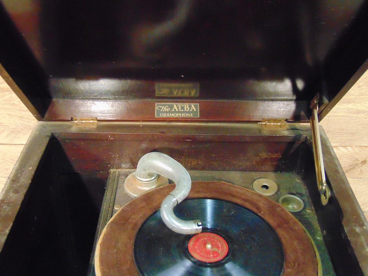 Original Alba gramophone dsc02953.jpg