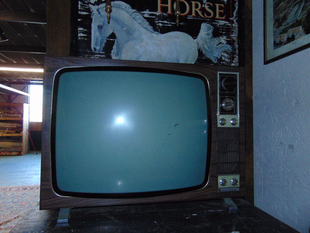 "Old television ""Phonola"" dsc04858.jpg"