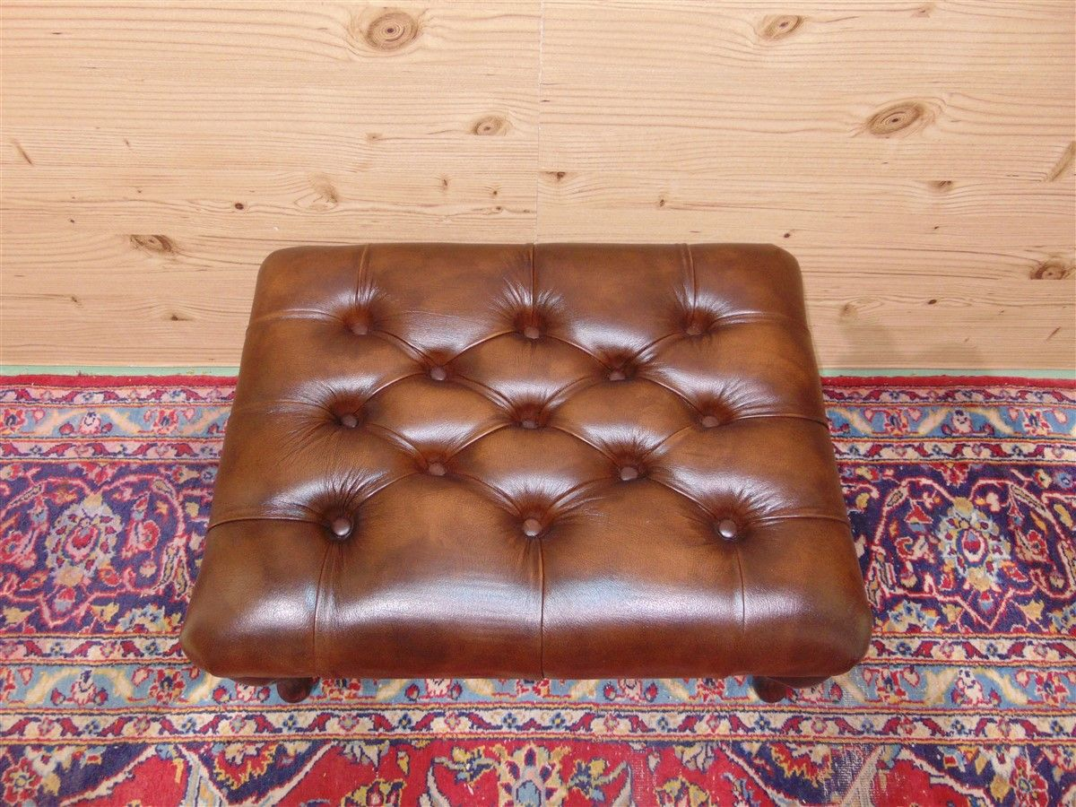 "Pouf Chesterfield nuovo color ""Gold"" dsc05760.jpg"