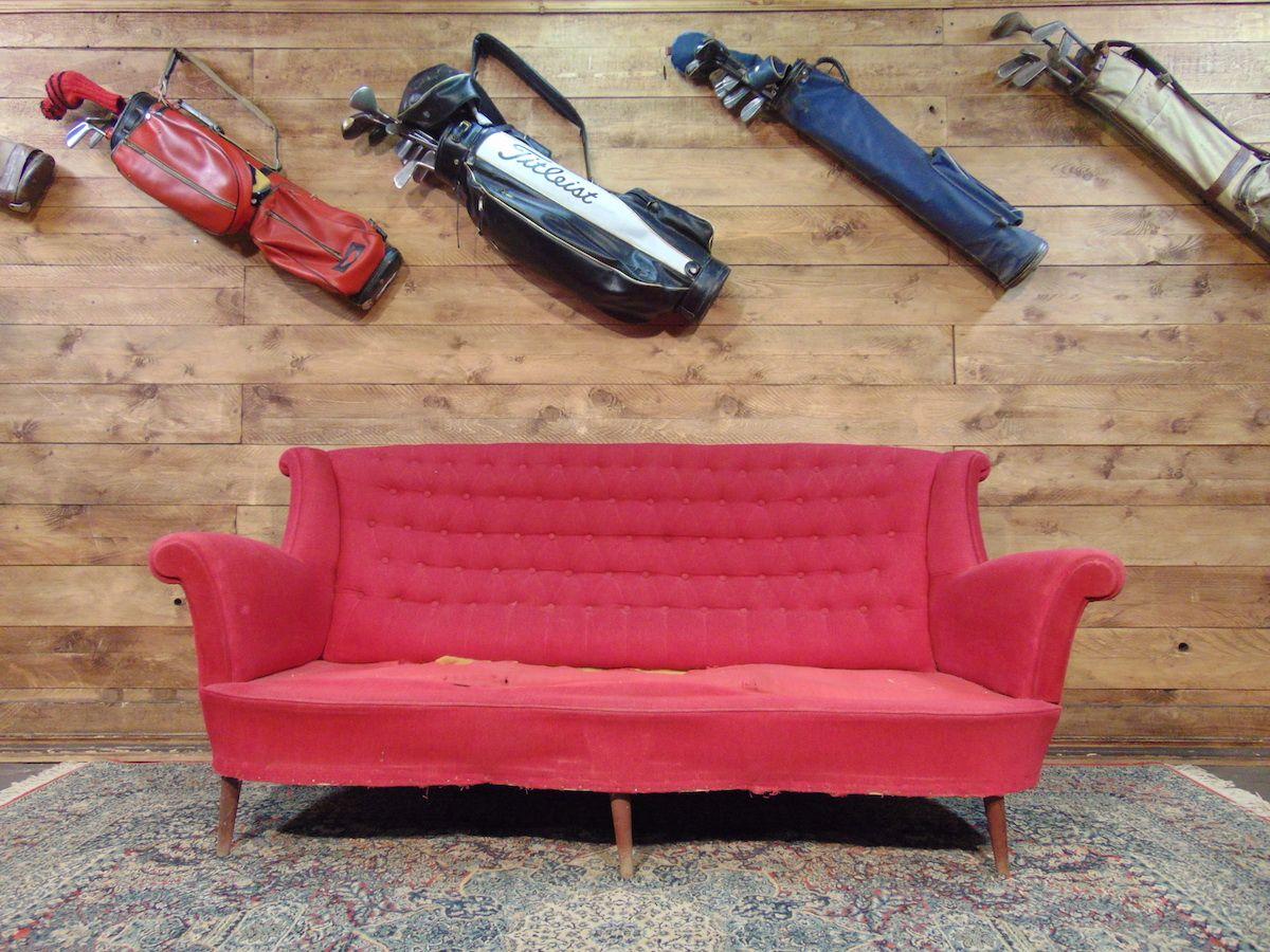 Divano Chesterfield in velluto con ricami sui sedili dsc02450.jpg