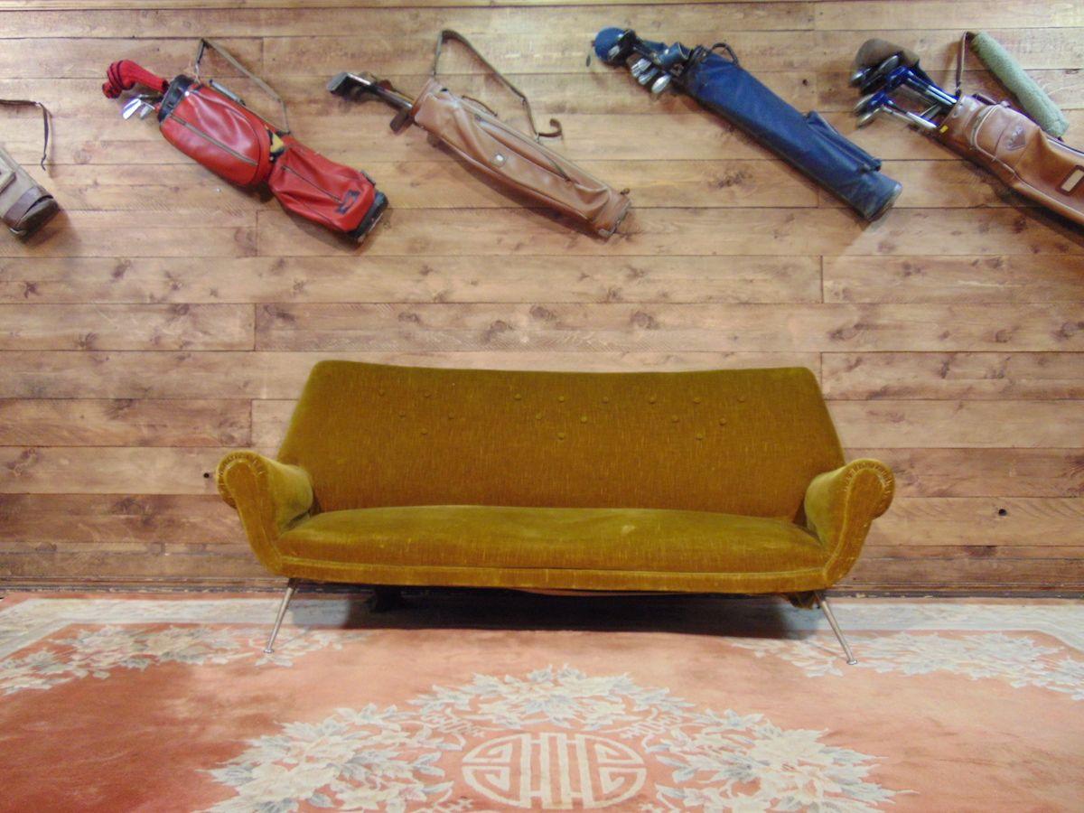 Divano vintage verdino con piedini in ottone dsc02589.jpg