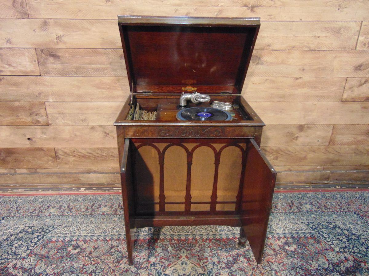 Grammofono originale inglese antico dsc02053.jpg