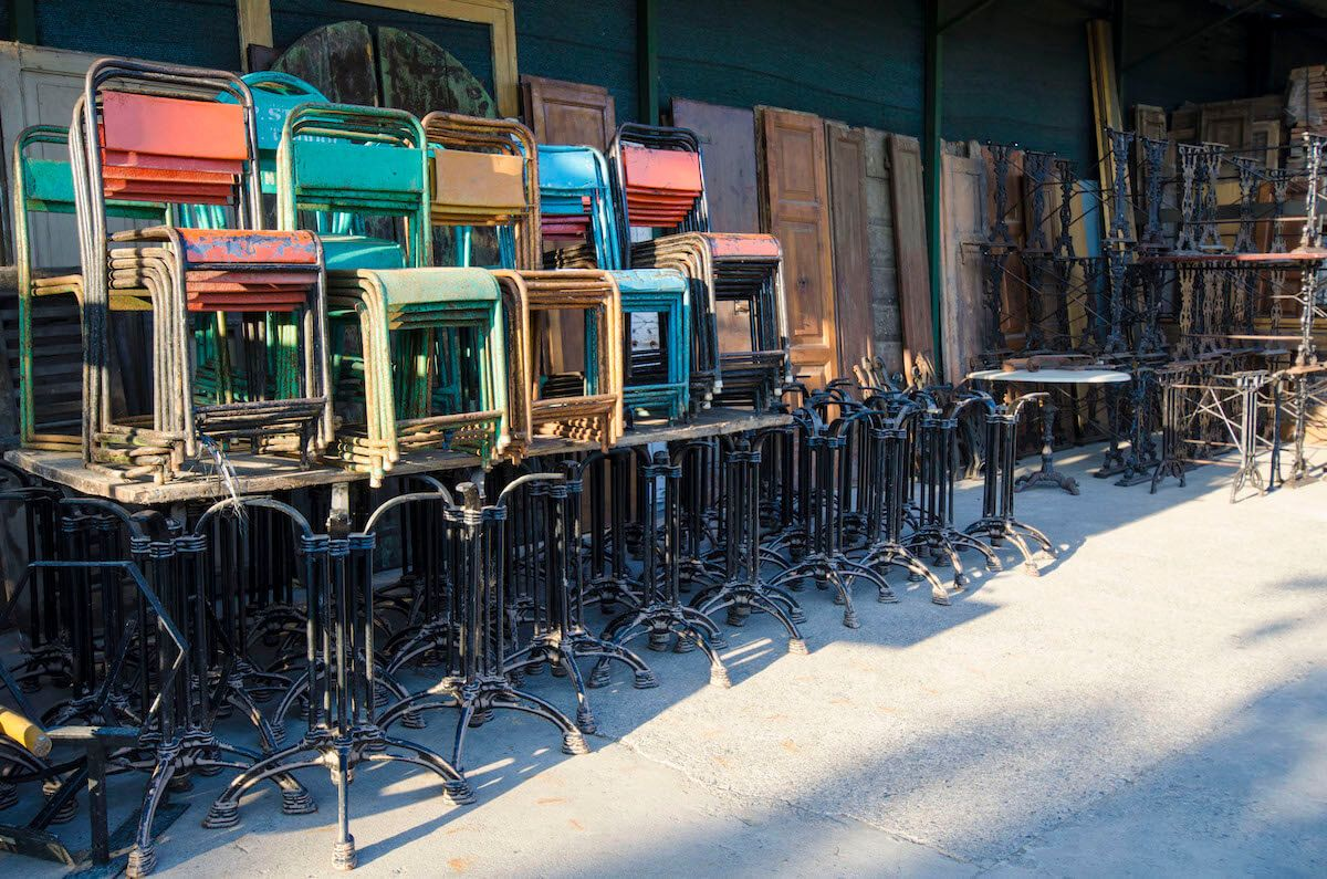 Iron chairs in various colors _czz6948copia2.jpg