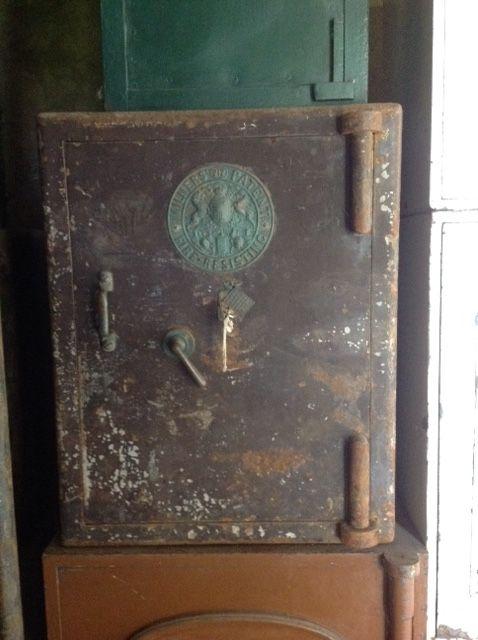"""Cassaforte antica inglese originale in ferro """"Milners"""" img_0385.jpg"""