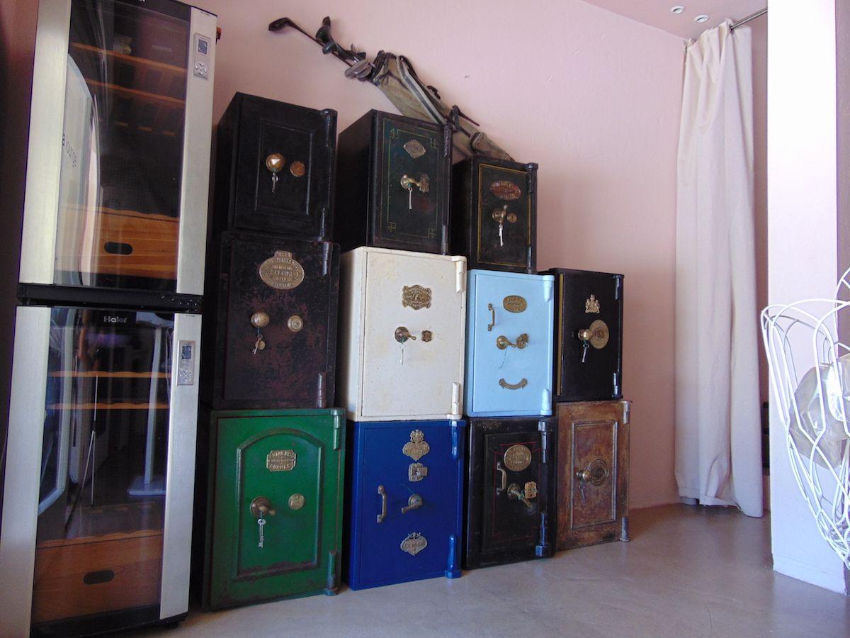 """Allestimento di cassaforti presso """"zamira lounge bar"""" a Porto Cervo dsc00570.jpg"""