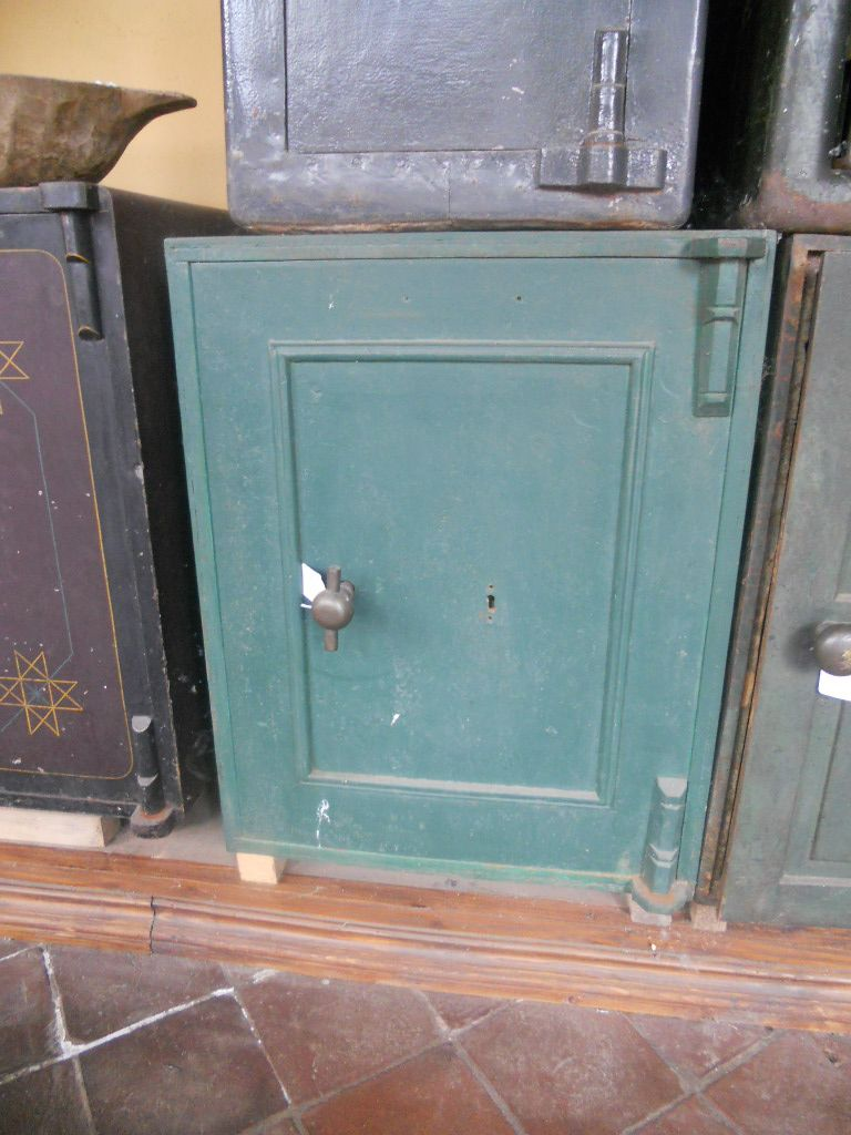 Cassaforte originale inglese di epoca vittoriana in ferro dscn4331.jpg