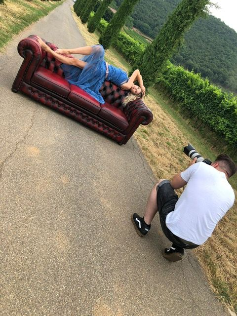 Shooting fotografico con divani e poltrone Chesterfield photo-2019-07-10-15-17-17.jpg.jpg