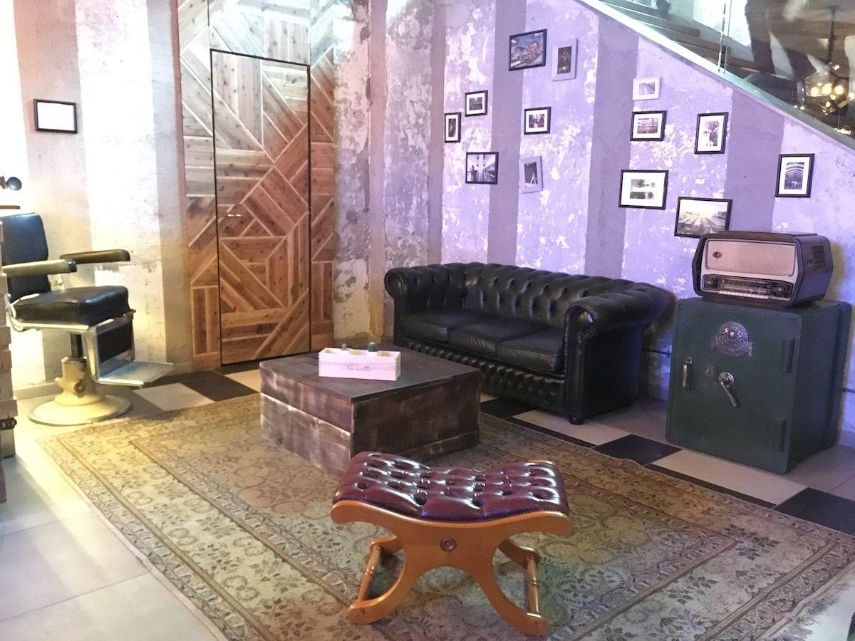 Set up at The singer music restaurant in Milan img_2469.jpg..jpg