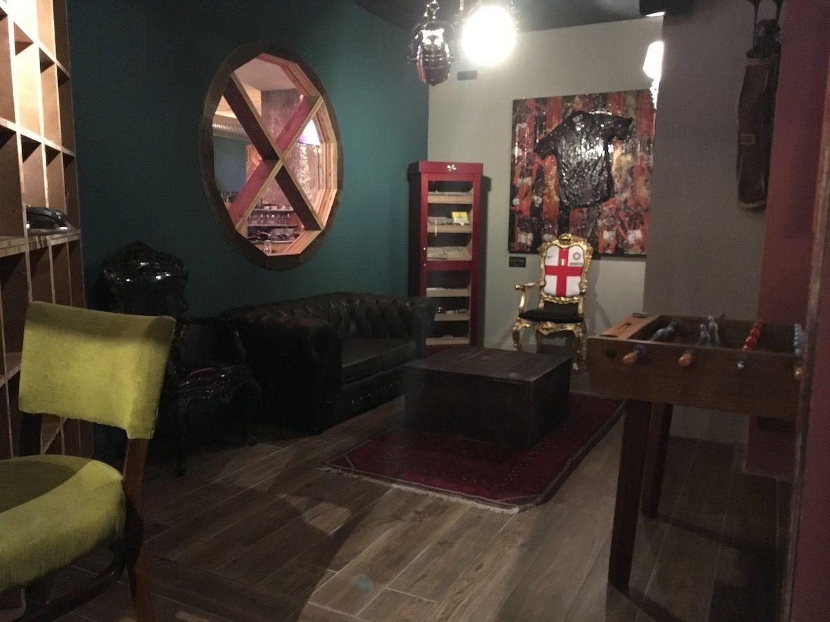 Set up at The singer music restaurant in Milan img_2471.jpg..jpg