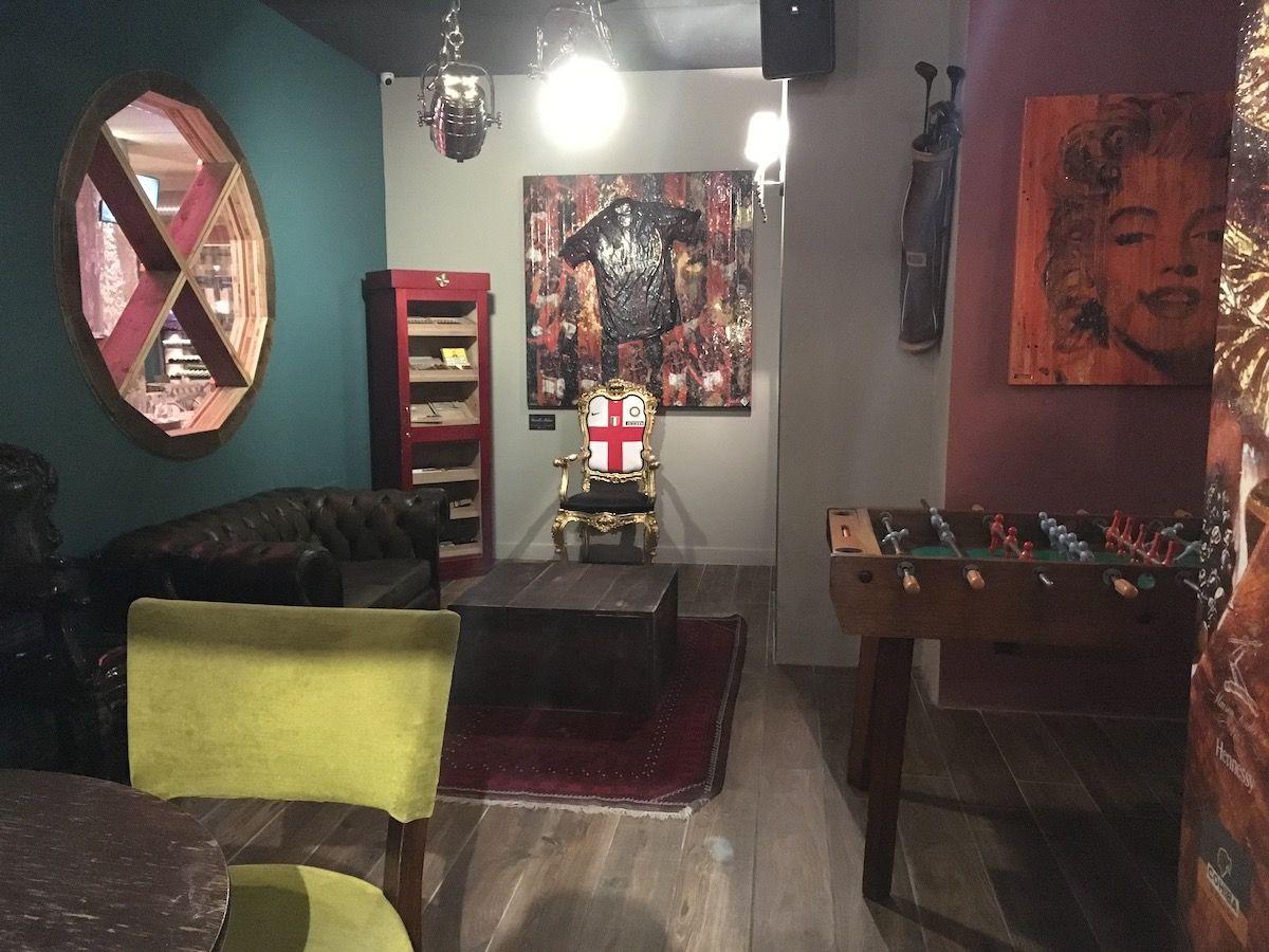 Set up at The singer music restaurant in Milan img_2473.jpg..jpg