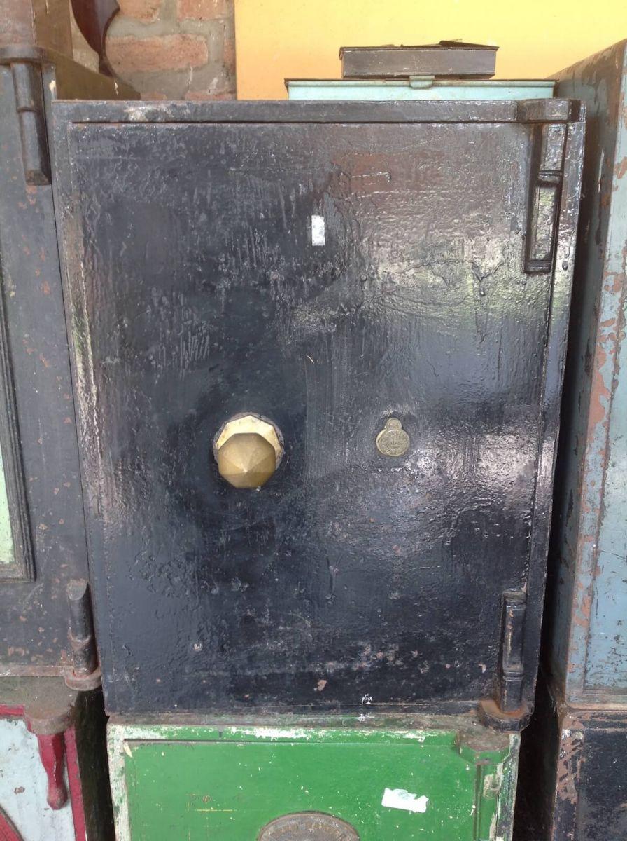Original English Victorian iron safe img_7368.jpg