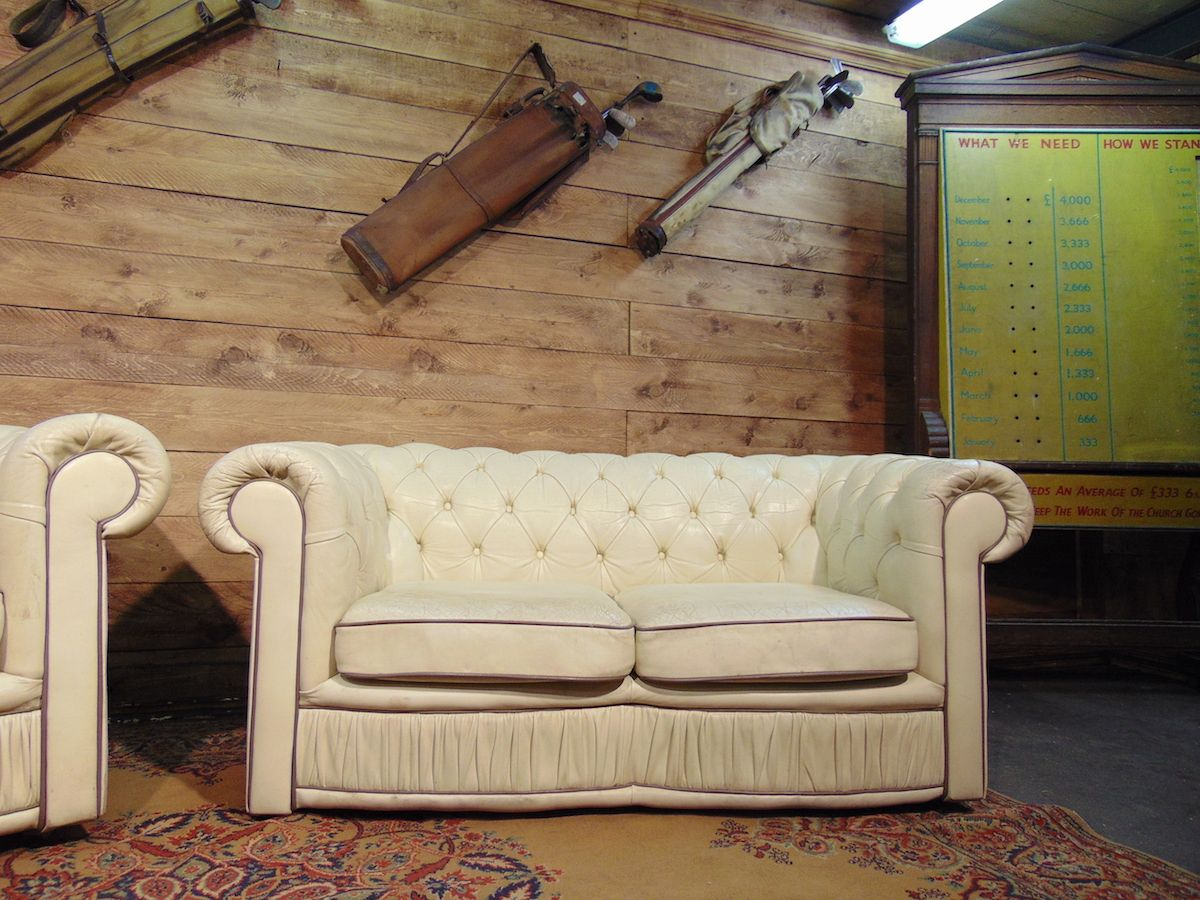 Original vintage English Chesterfield living room in real ivory leather dsc00817.jpg