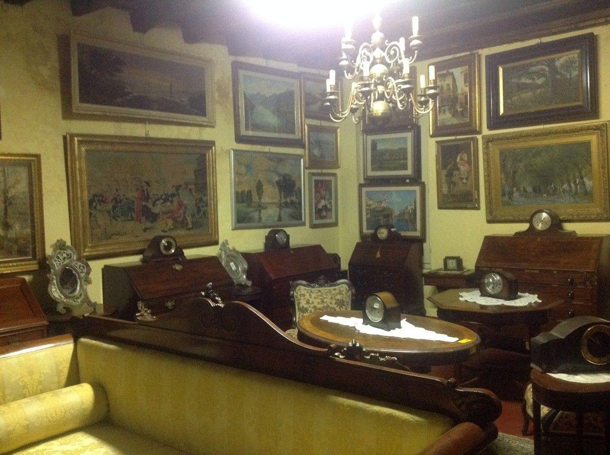 Esposizione di mobili, stampe e specchi img_3994-1200.jpg