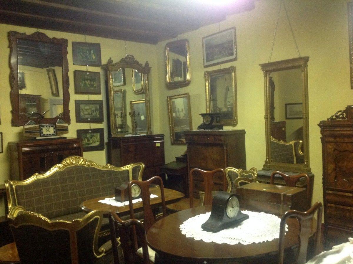 Esposizione di mobili, stampe e specchi img_4016-1200.jpg