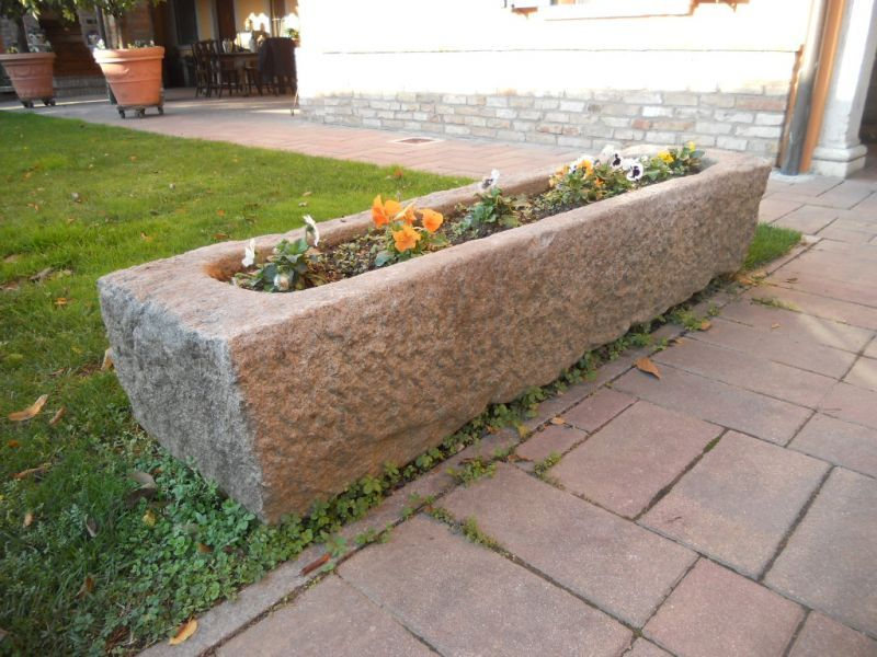 contenitore in pietra 111014550318_b.jpg