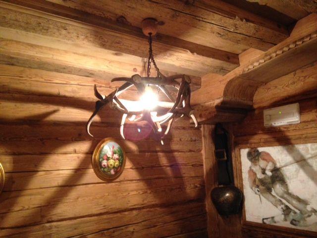 lampadario in corna di cervo foto4.jpg
