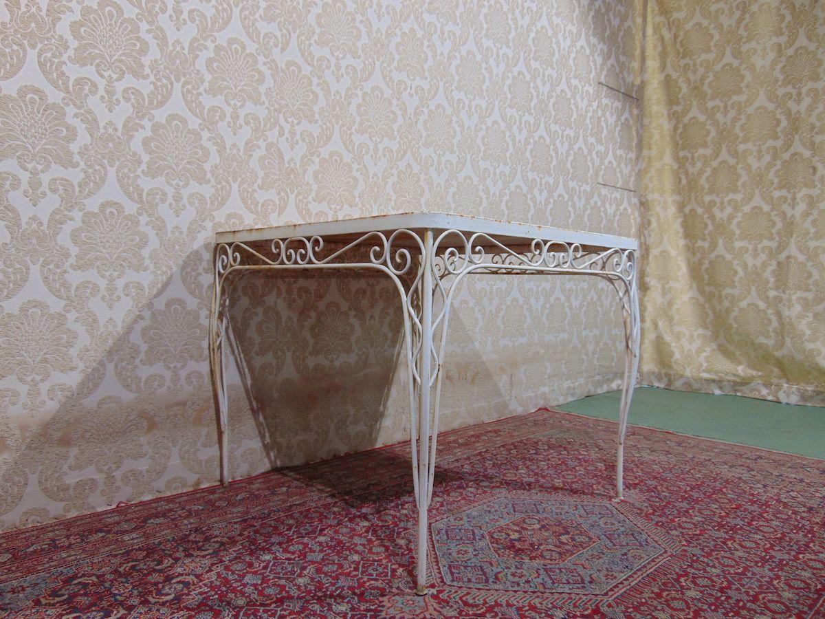 Ancient iron outdoor lounge dsc00205.jpg