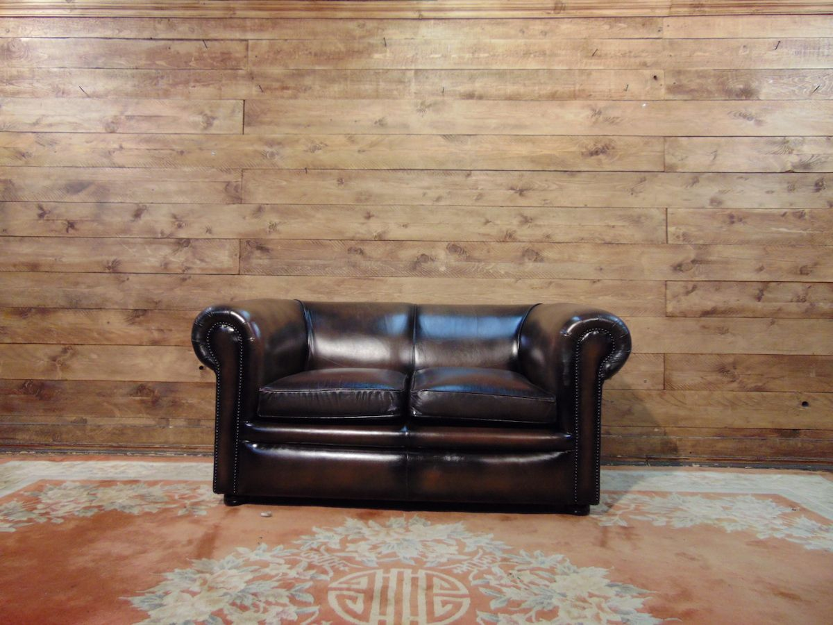 Chesterfield sofa 2 original English places in leather mustard dsc02771.jpg