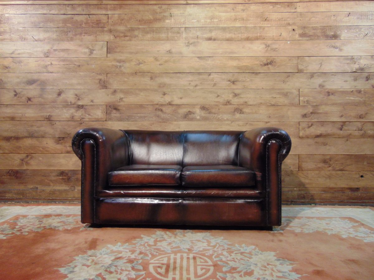 Chesterfield sofa 2 original English places in leather mustard dsc02774.jpg