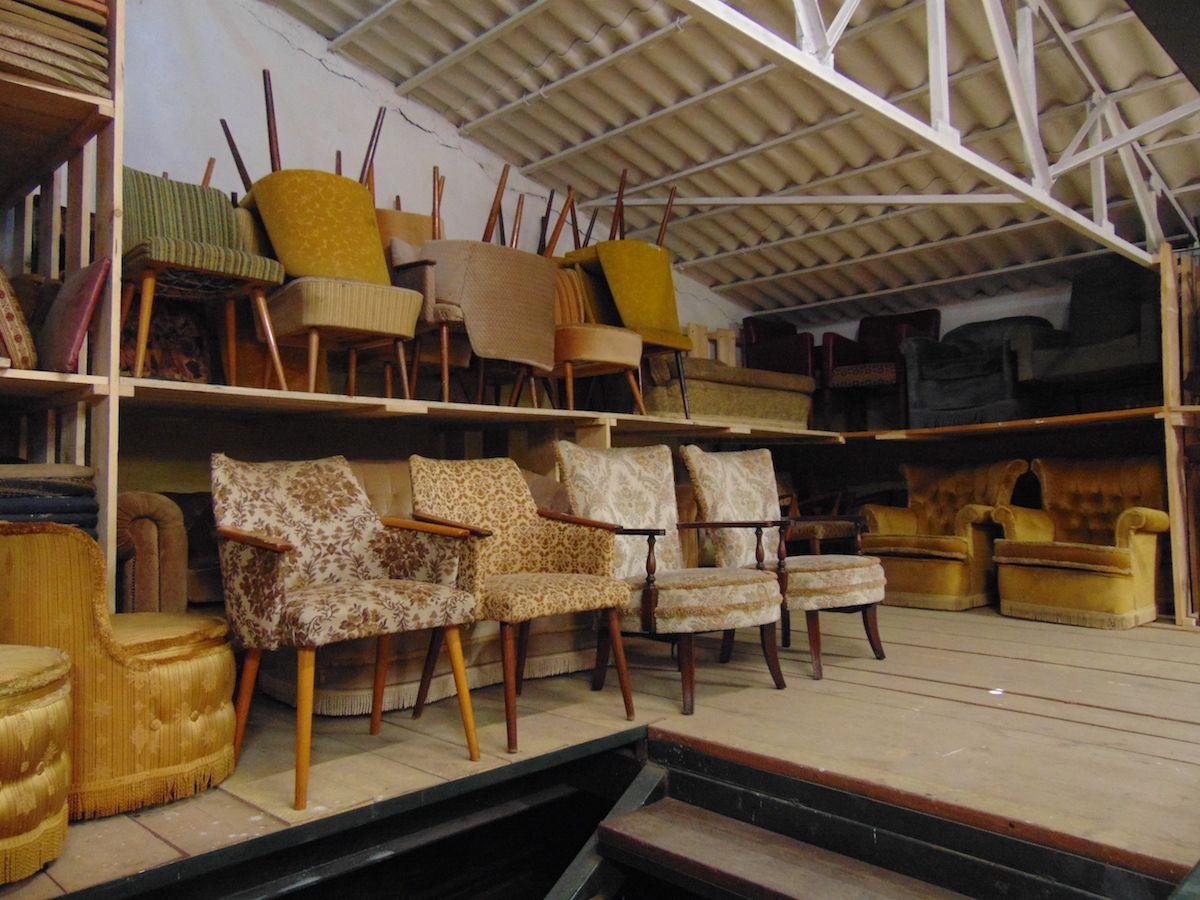 Magazzino di divani e poltrone vintage dsc01075.jpg