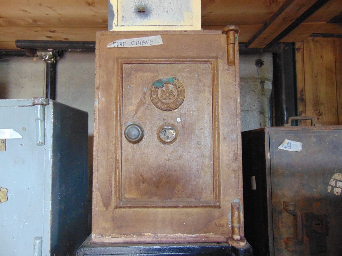 Cassaforte originale inglese di epoca vittoriana in ferro dsc03281.jpg
