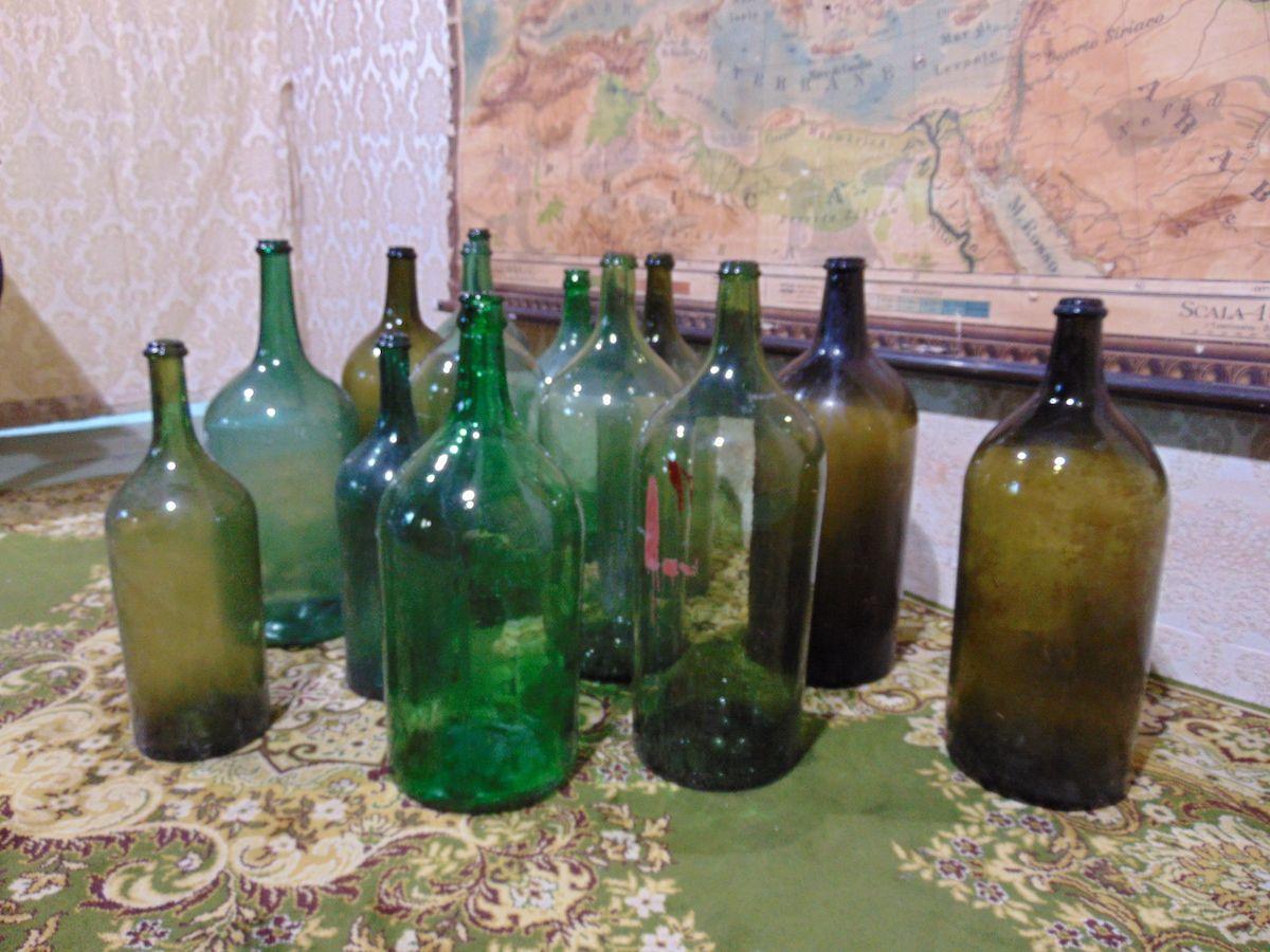 Old glass bottles dsc00302.jpg