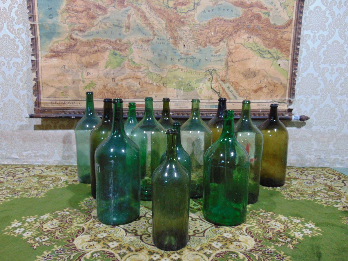 Old glass bottles dsc00292.jpg