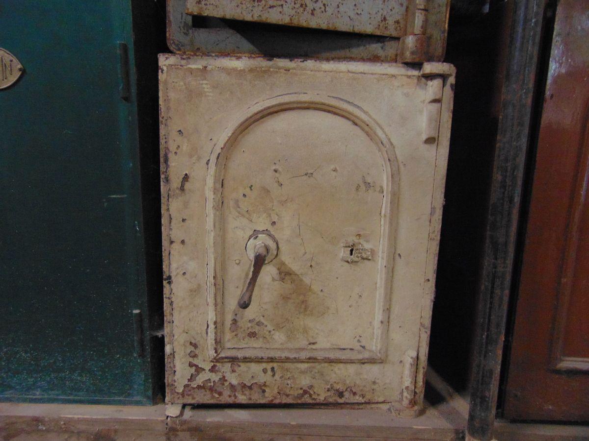 Cassaforte originale inglese di epoca vittoriana in ferro dsc03287.jpg