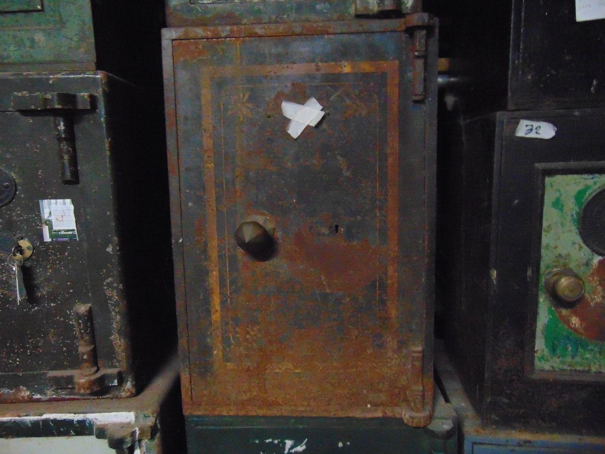Cassaforte originale inglese di epoca vittoriana in ferro dsc03325.jpg