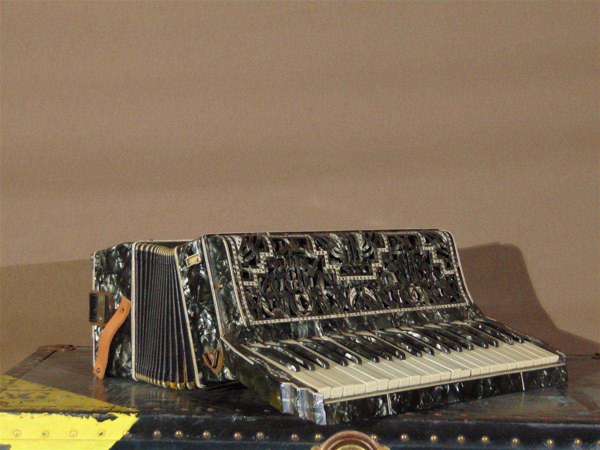 Fisarmonica vecchia dsc04285.jpg