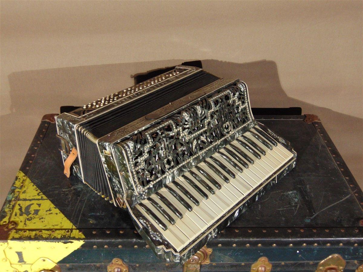 Fisarmonica vecchia dsc04288.jpg