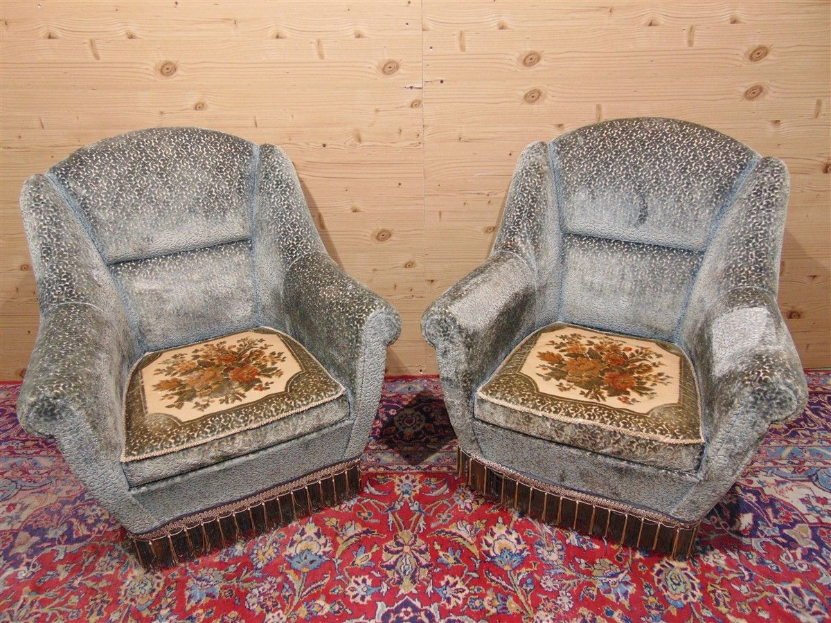 Vintage armchairs with embroidery dsc05482.jpg