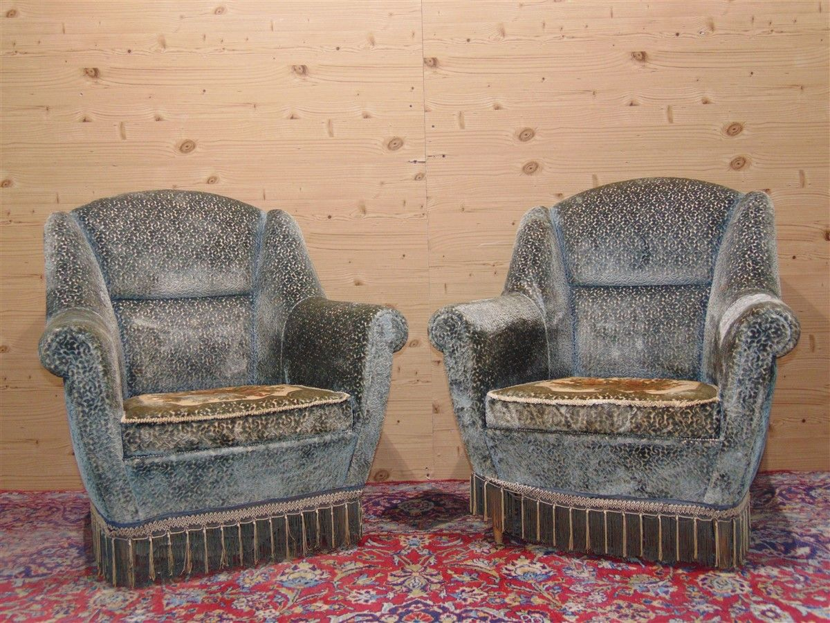Vintage armchairs with embroidery dsc05481.jpg