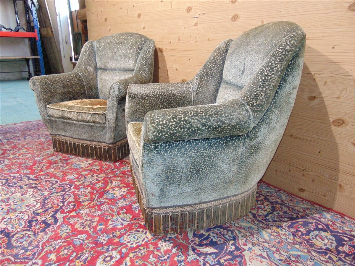 Vintage armchairs with embroidery dsc05486.jpg