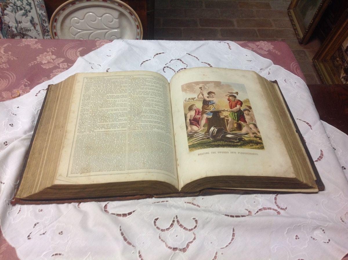 Antica bibbia inglese foto10-04-14164333.jpg