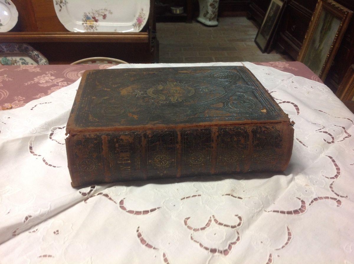 Antica bibbia inglese foto10-04-14164359.jpg