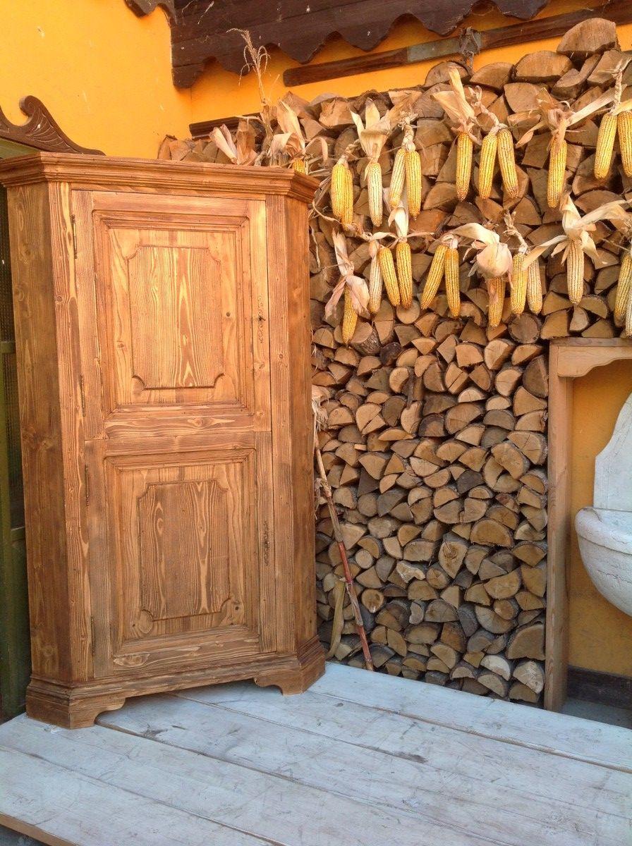 Custom-made corner cupboard img_1821-1200.jpg