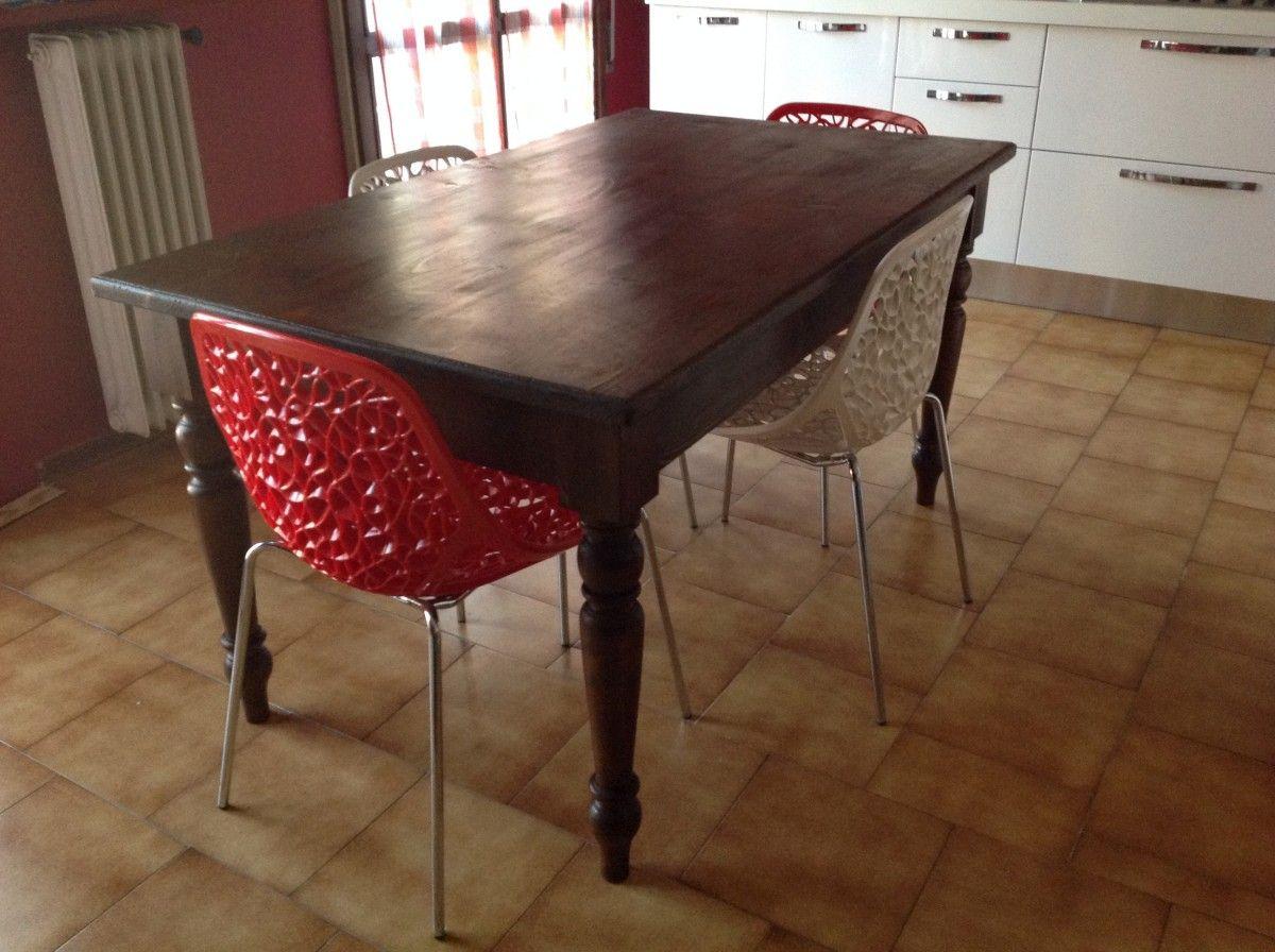 Allestimento di una cucina con un tavolo su misura img_1952-1200.jpg