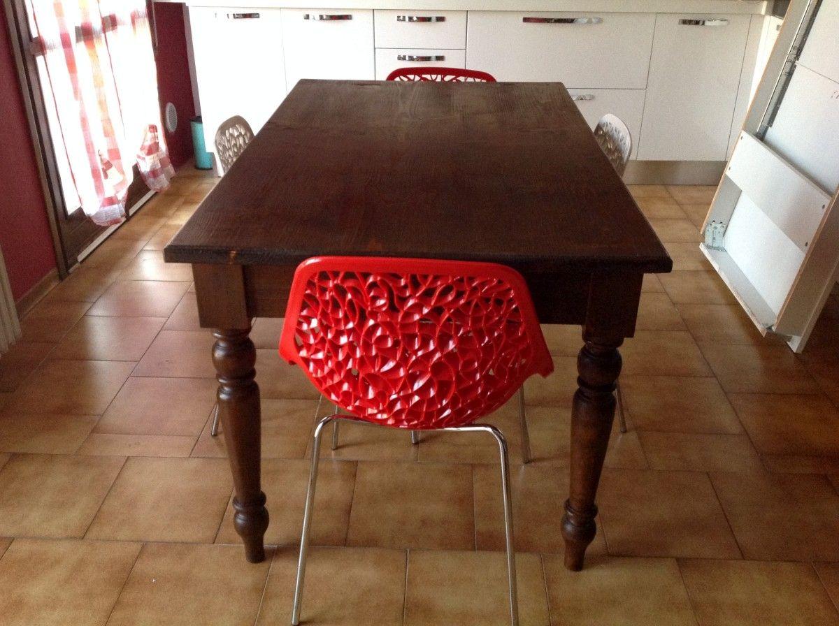 Allestimento di una cucina con un tavolo su misura img_1953-1200.jpg