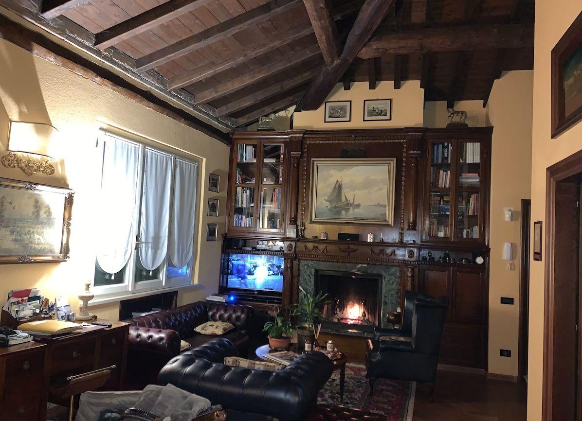 Arredamento per una lussuosa abitazione schermata2020-12-01alle17.52.00.png