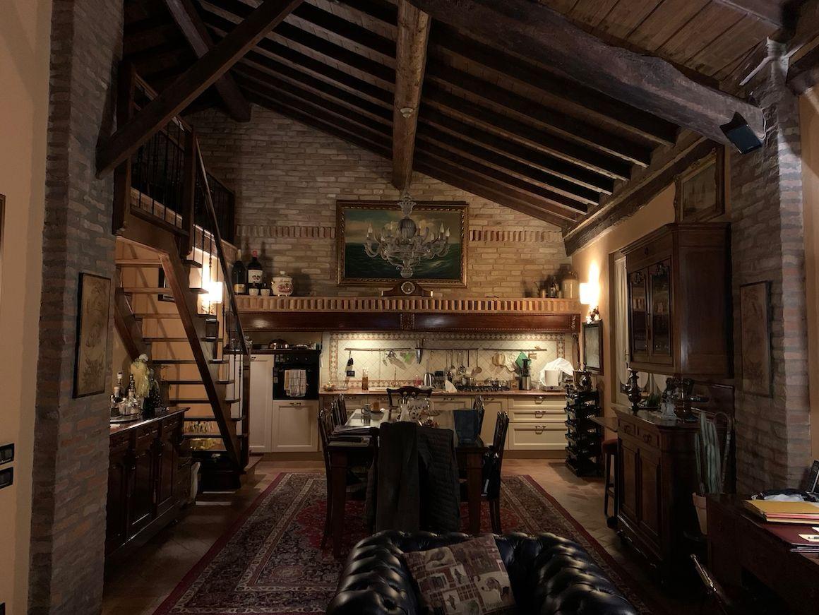 Arredamento per una lussuosa abitazione schermata2020-12-01alle17.52.14.png