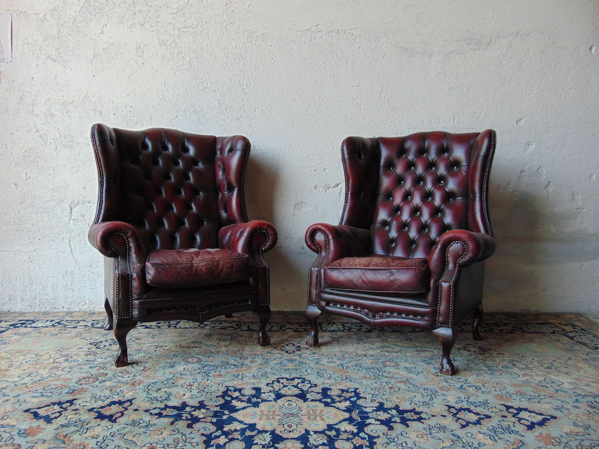 Poltrone Chesterfield Prezzi.Coppia Di Poltrone Chesterfield Queen Anne Color Bordeaux
